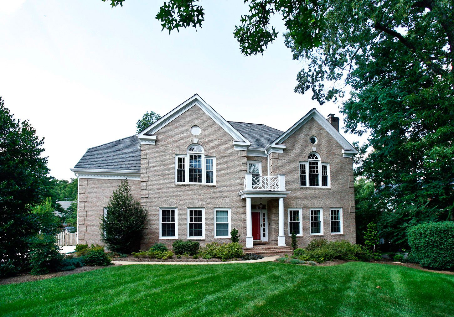 Buy a House with GlassHouse Real Estate