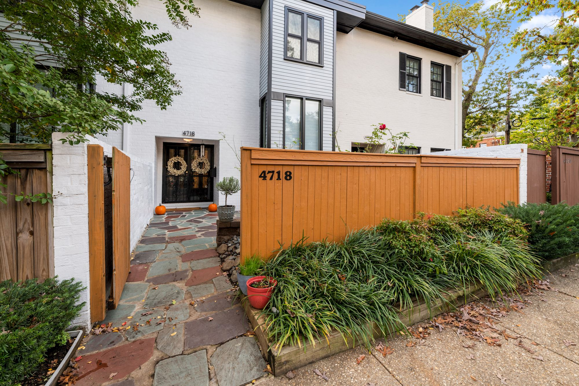 SOLD: Stunning 3 BD Renovated Arlington, VA Townhome