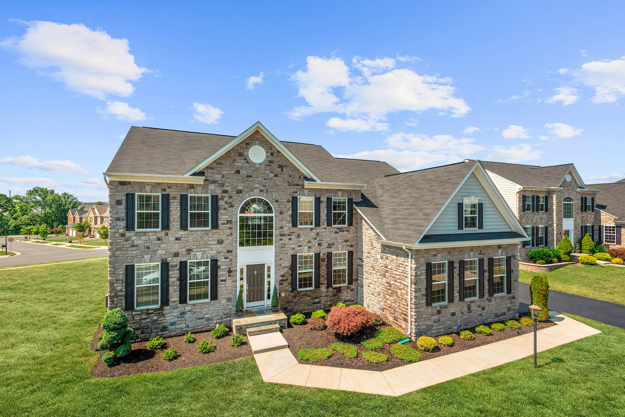 River Pointe Estates in Leesburg, VA: Elegant K. Hovnanian Homes