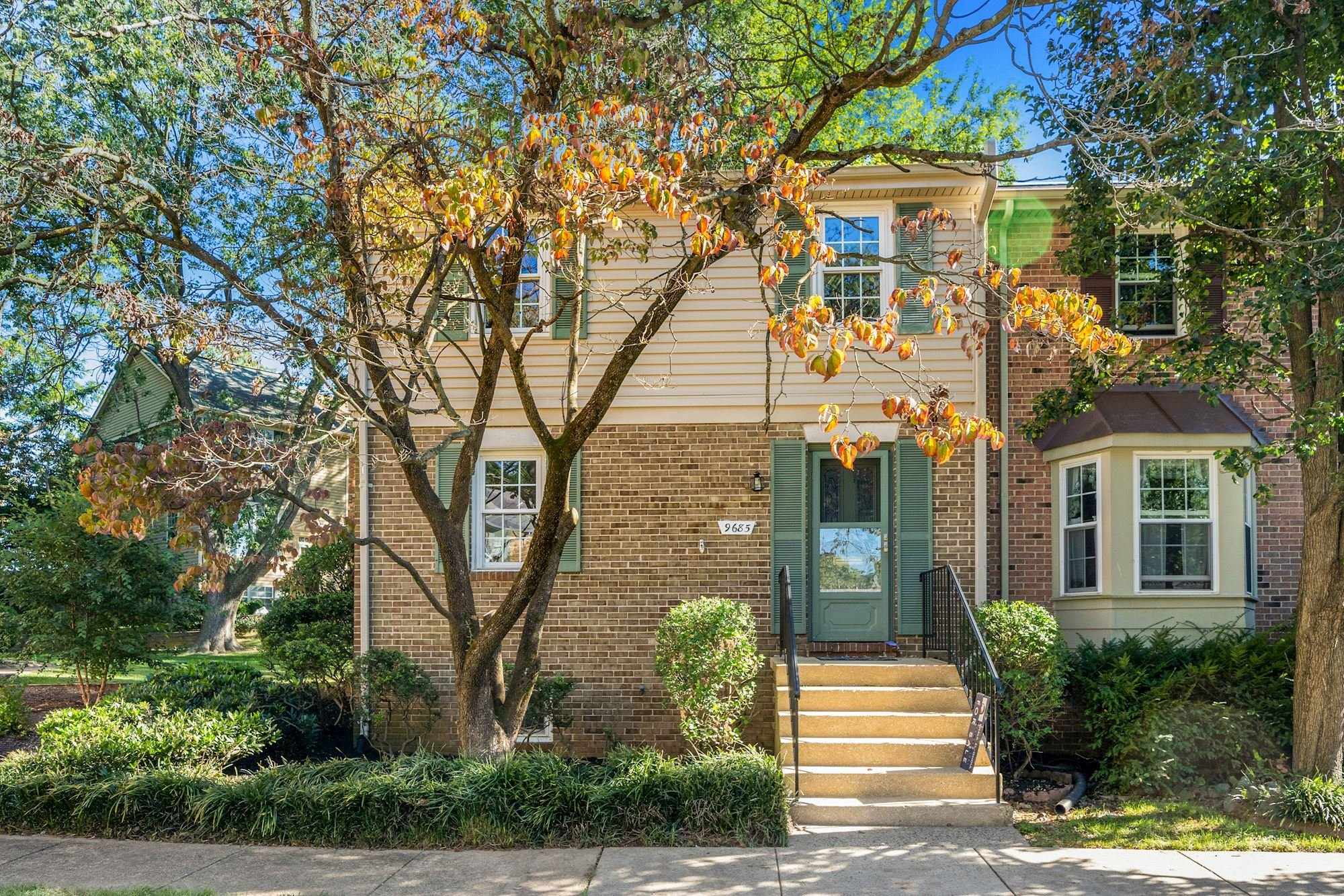 Gorgeous Townhouse in Desirable Linden Square Community