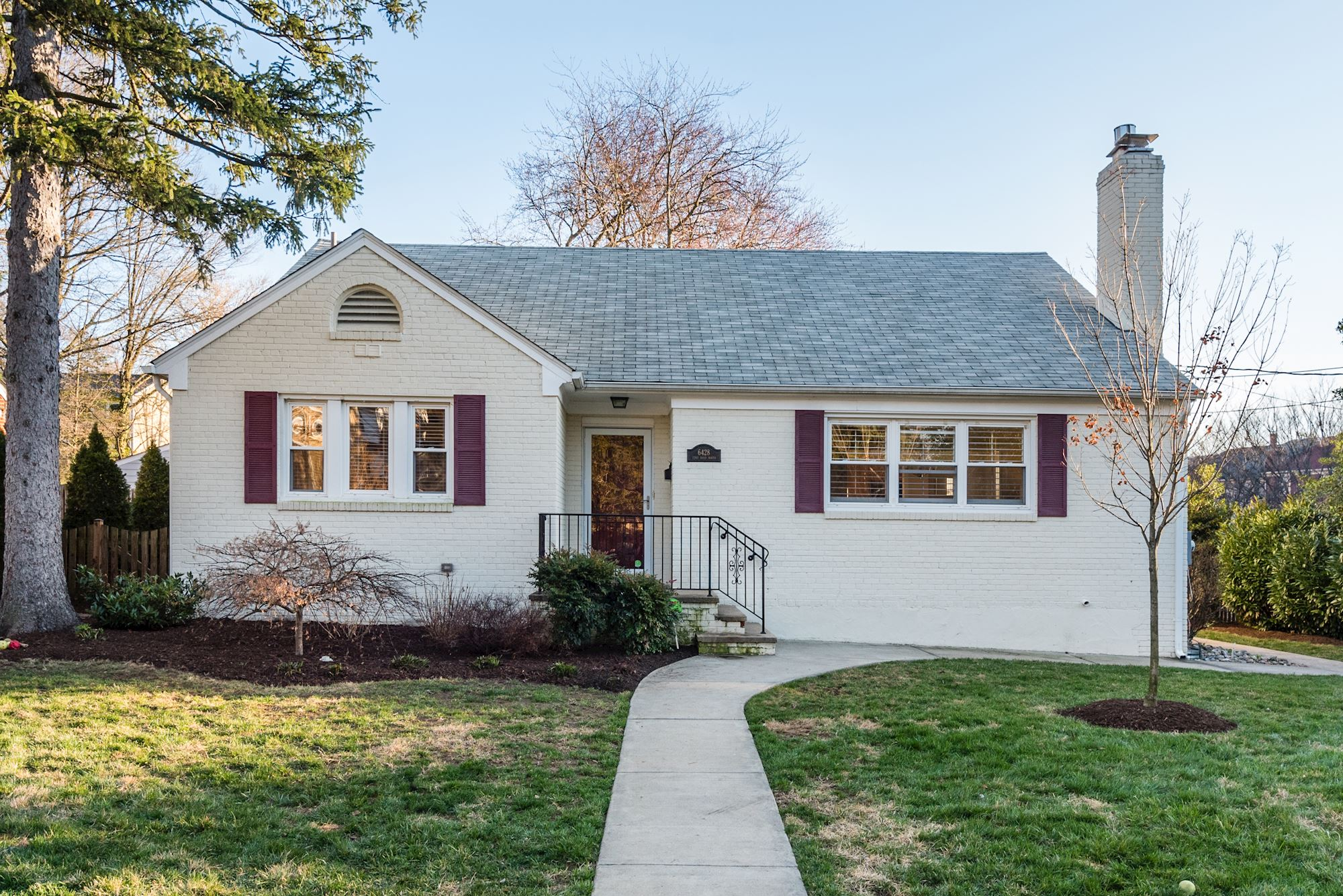 NEW LISTING: 5 Bedroom Arlington Home Close to EFC Metro