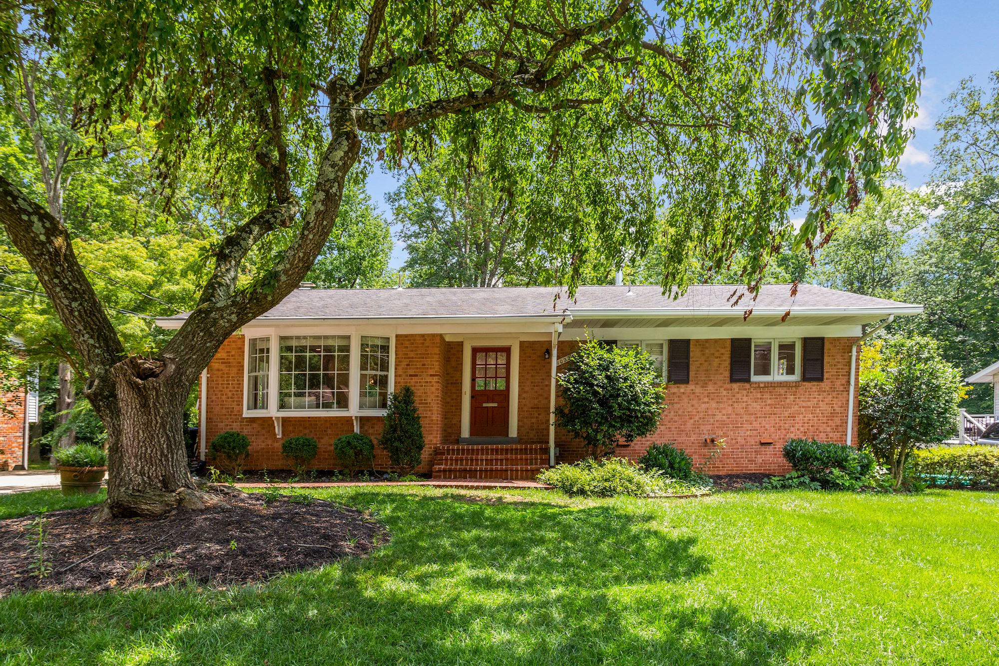 Gorgeously Updated Rambler in the Heart of Fairfax, VA
