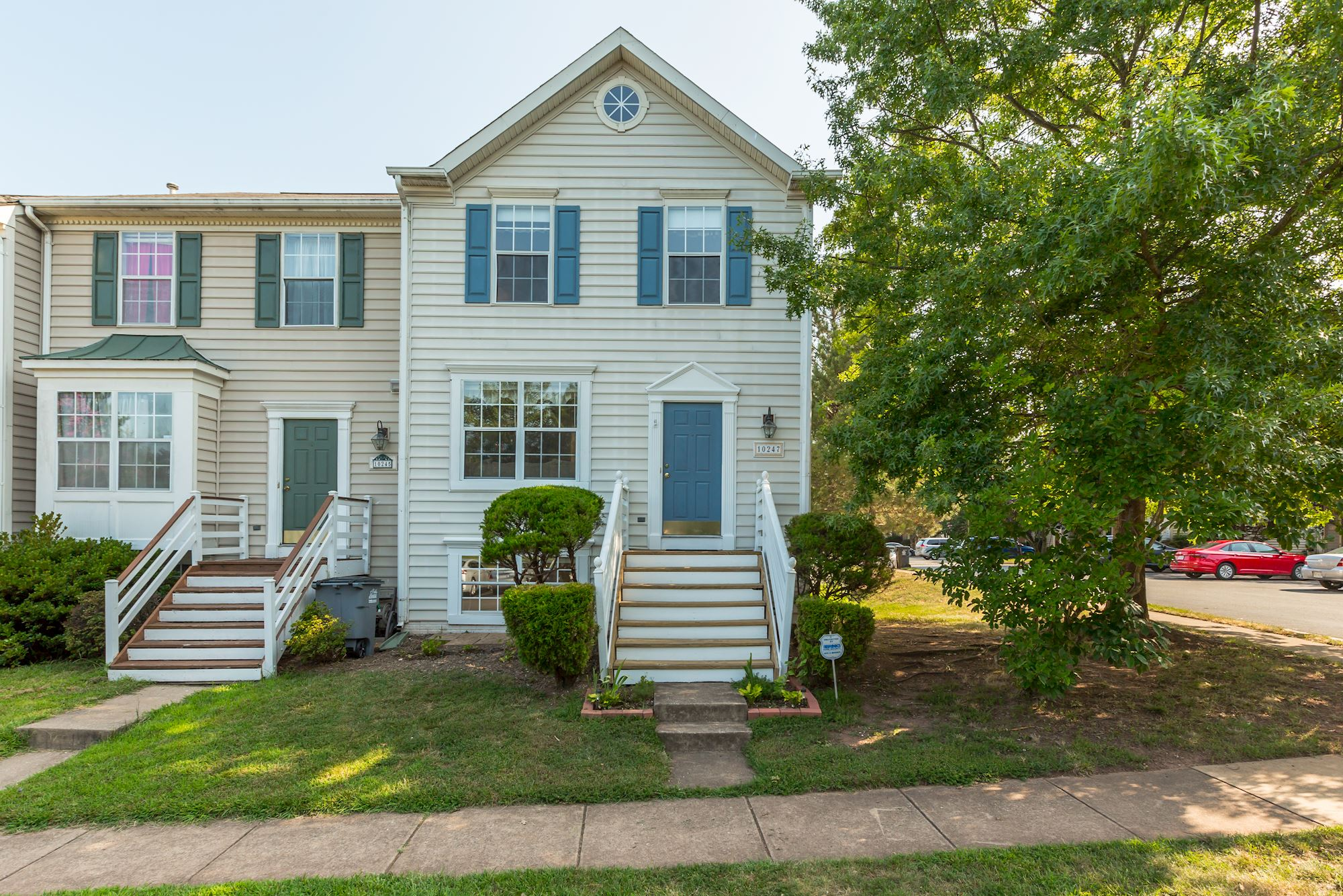 NEW LISTING: 4 BD End Unit Townhome in Manassas, VA