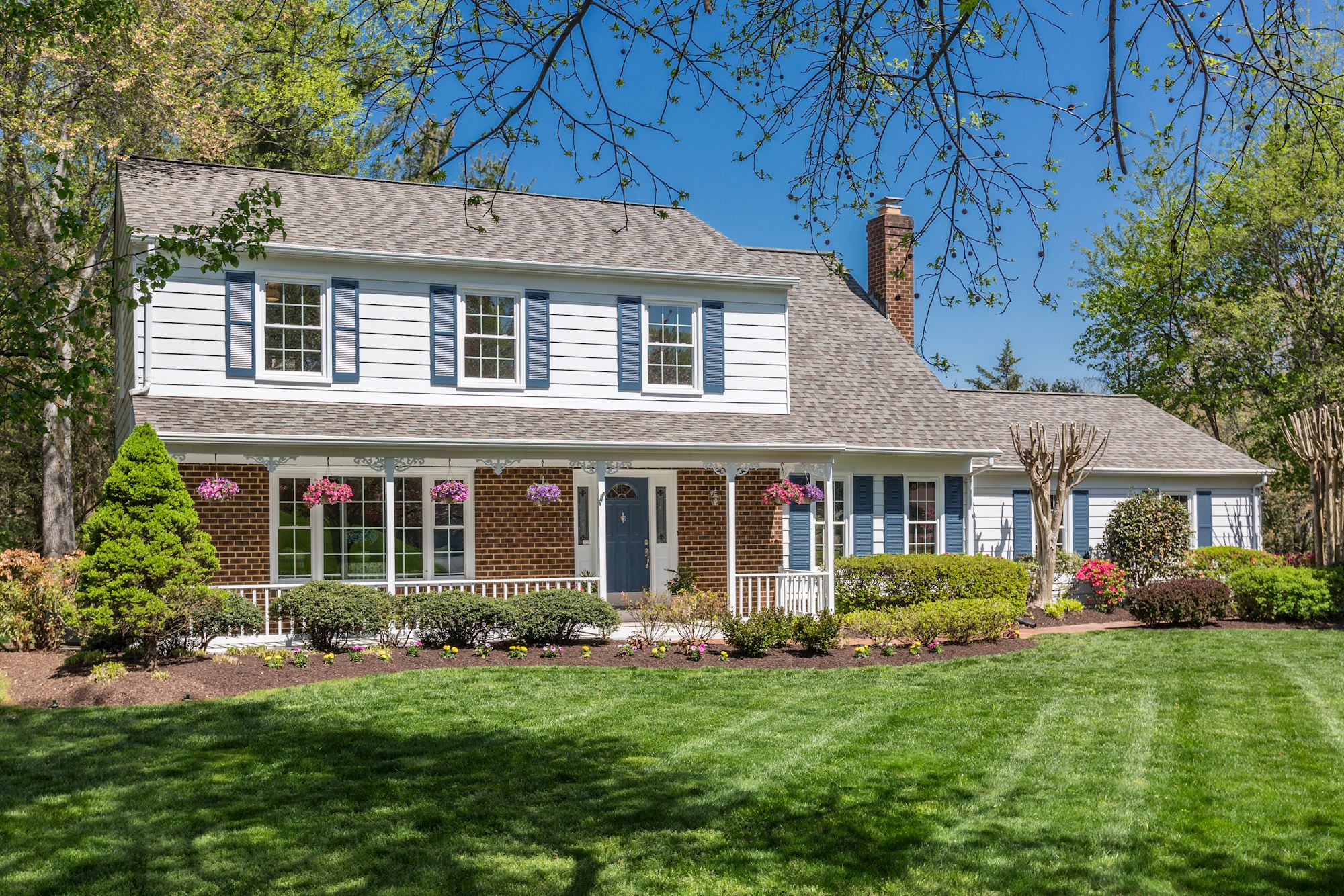 NEW LISTING: 4 BD Colonial in Heart of Great Falls