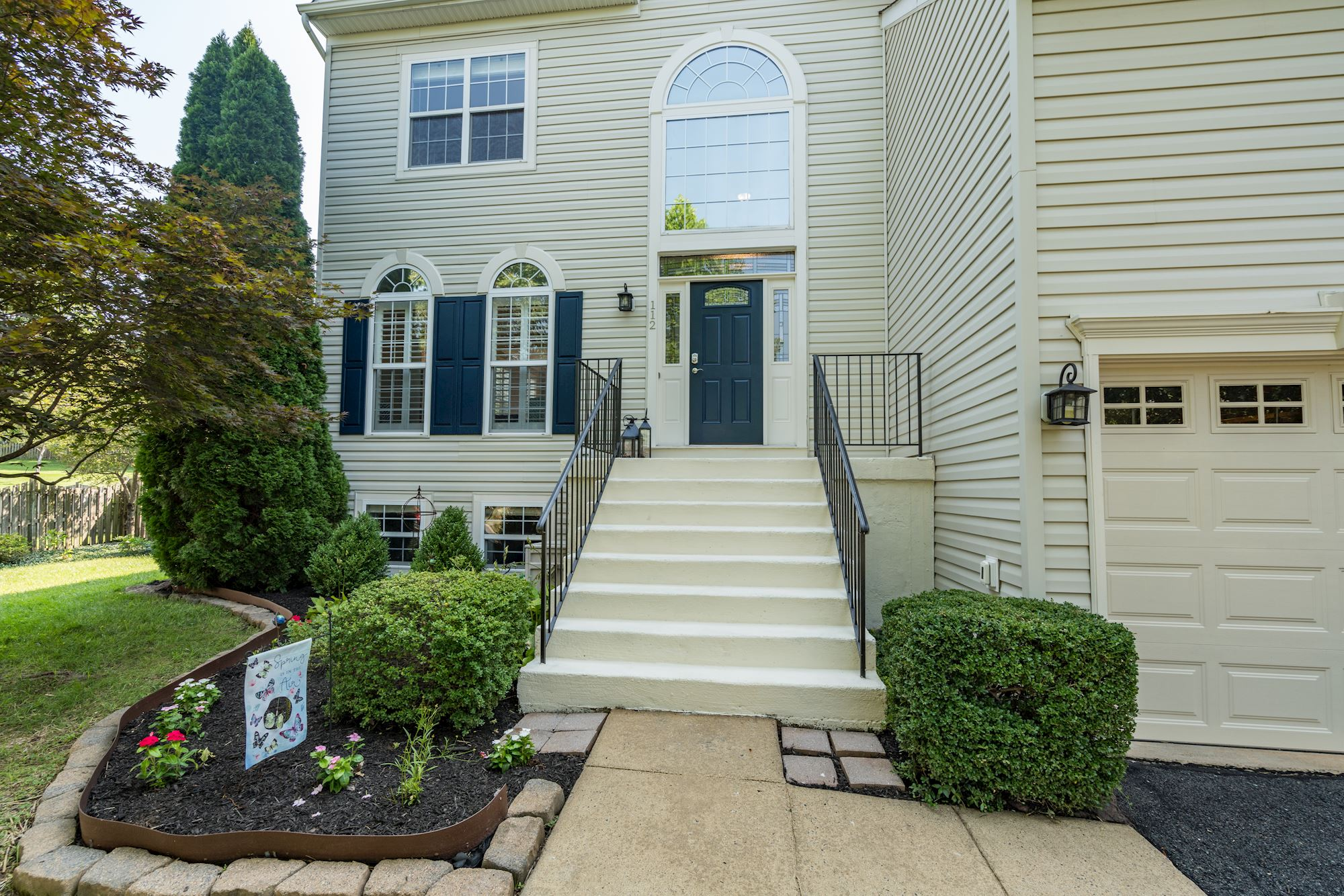 NEW LISTING: Gorgeous 4 BD in Heart of Potomac Crossing in Leesburg,VA