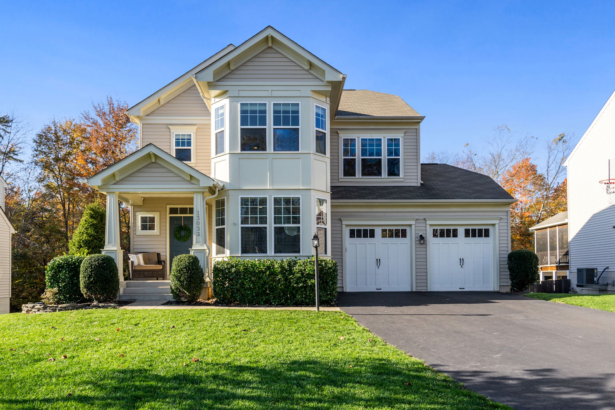 5 BD Craftsman Style Home Located in Wonderful Brierly Forest Community, Manassas VA