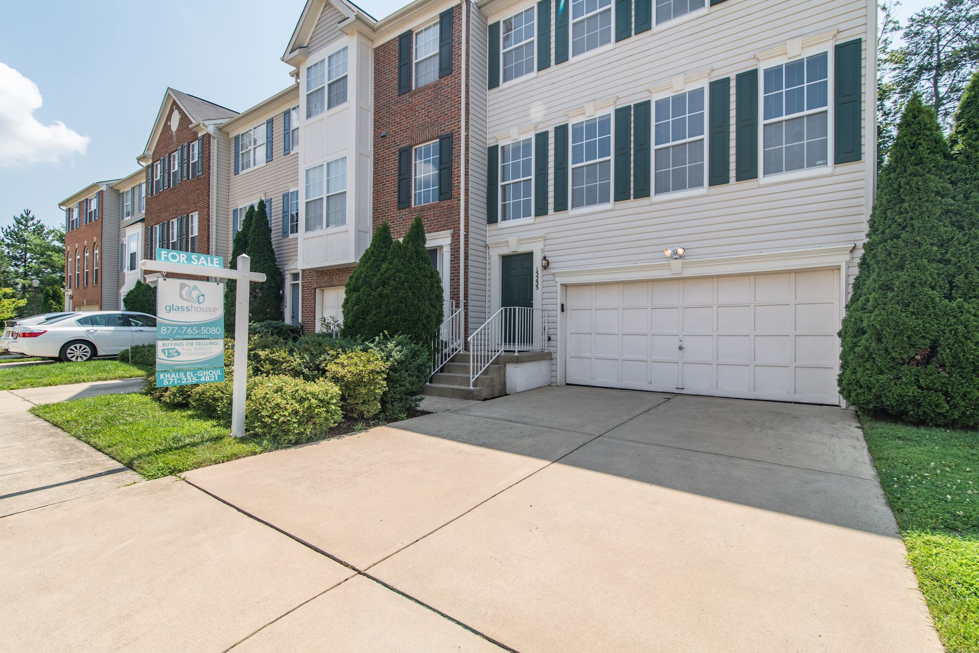 SOLD: Lovely End Unit Townhouse in Herndon