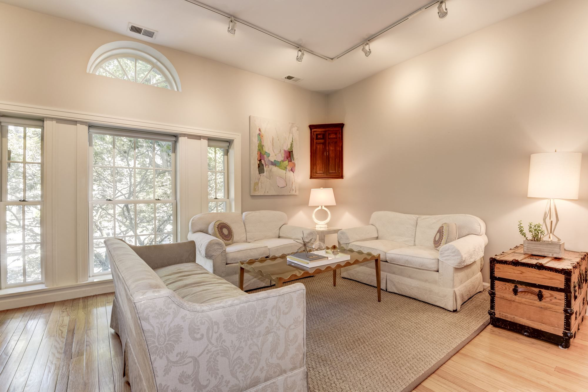 UNDER CONTRACT: 1 BD Stonesdale Condo in Great DC Location