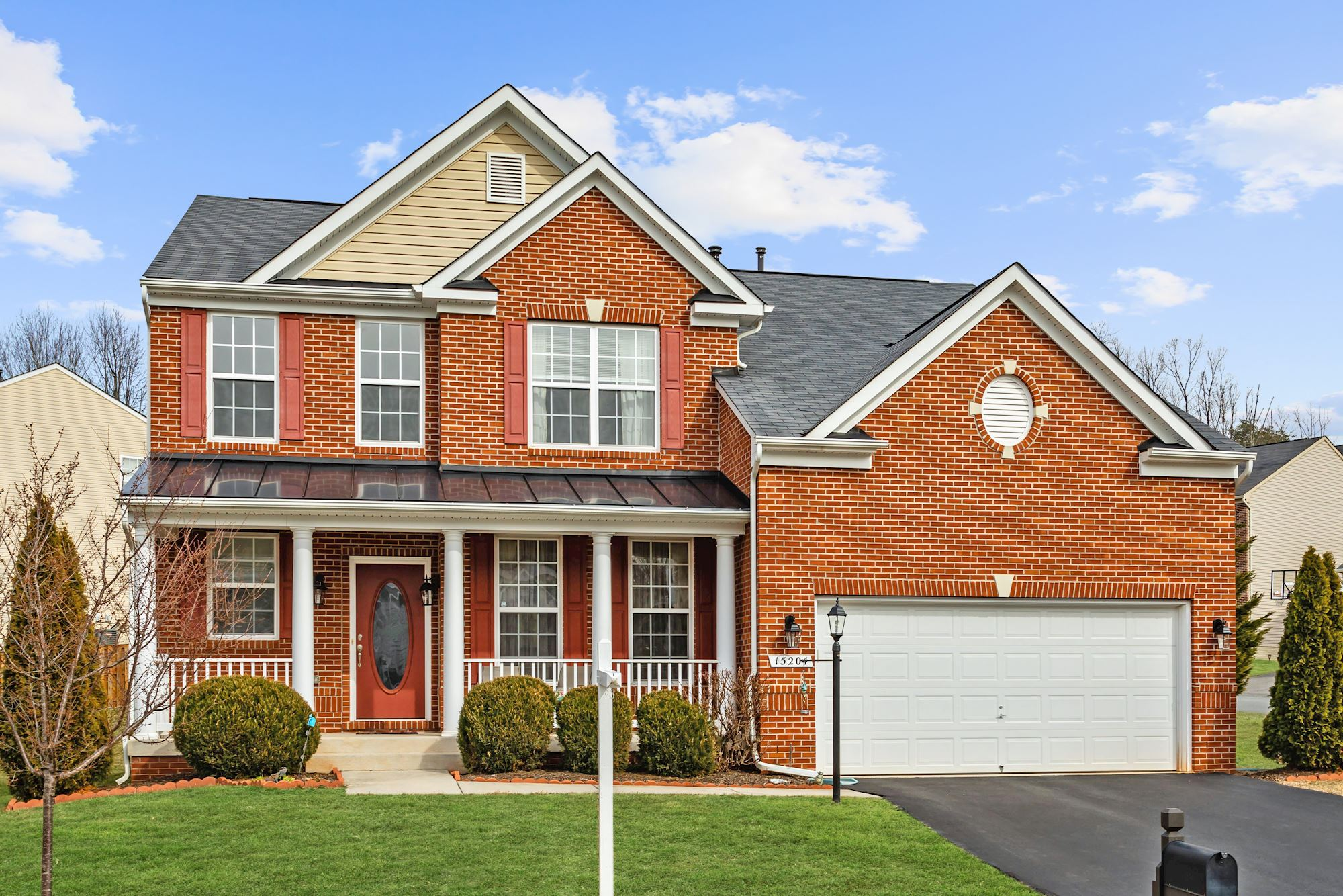 UNDER CONTRACT: Luxurious 3-Level Colonial Gainesville, VA Home