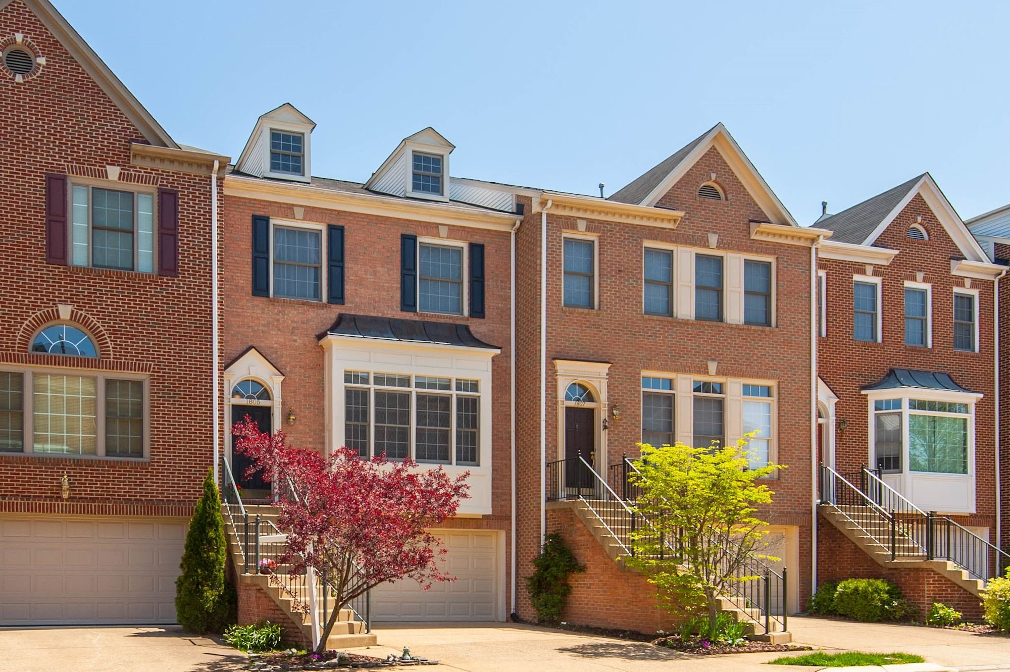 SOLD: 3 BD Townhome in Vienna