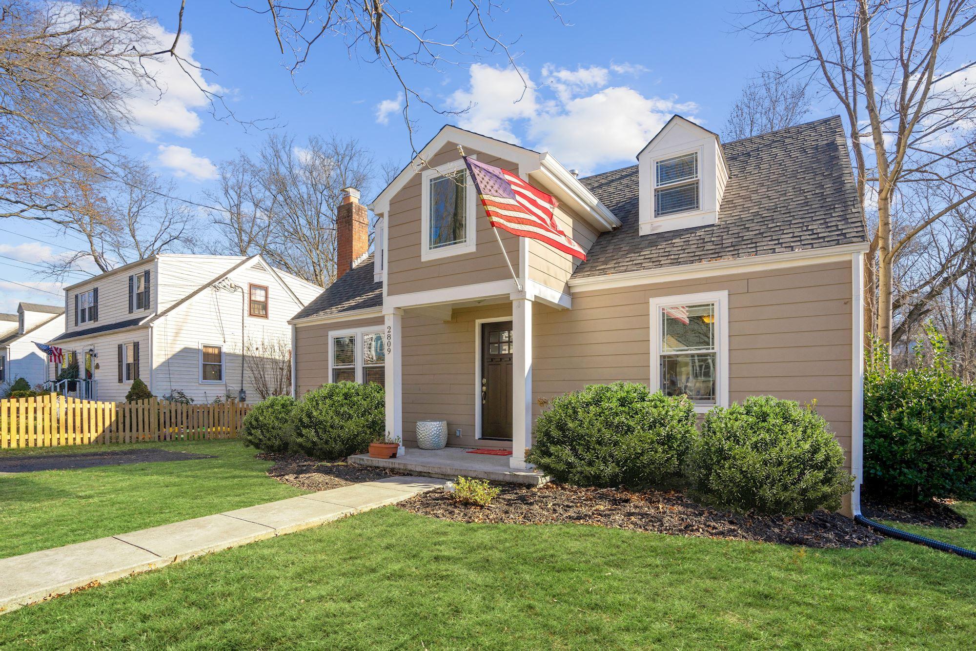 Renovated 5BR/3BA Single Family Home in Falls Church, VA