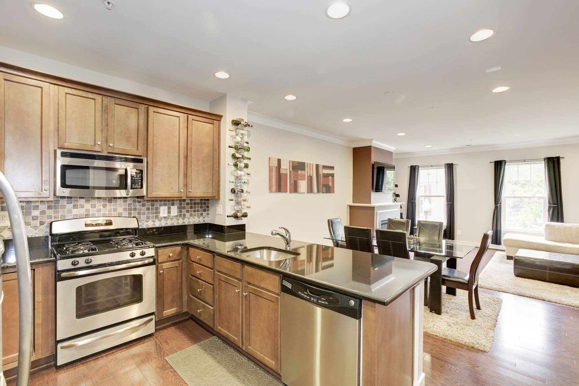 SOLD: Elegant 3 Bed Townhome in Alexandria