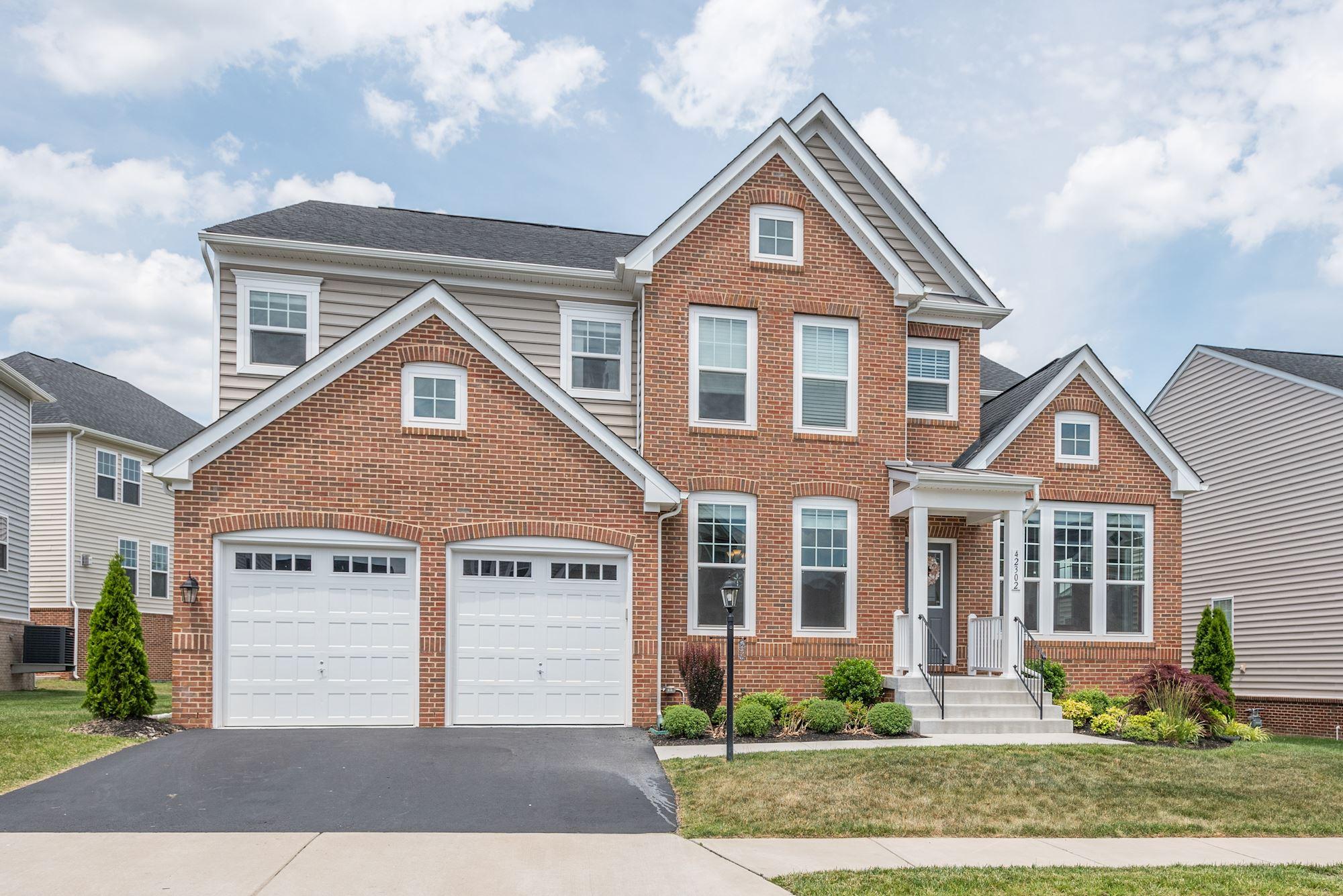 SOLD:Perfection in Brambleton! 6 BD Van Metre Home in Ashburn, VA