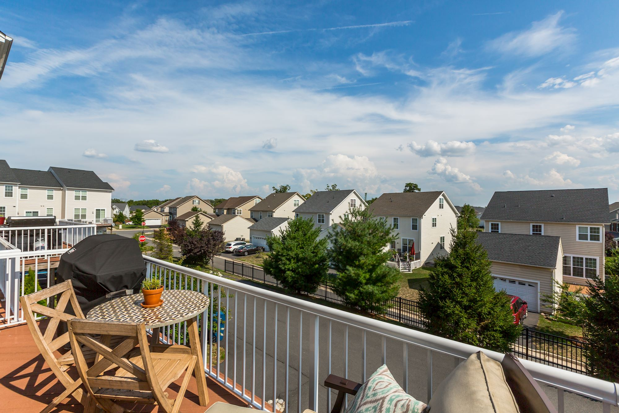 NEW LISTING: 3 BD Gorgeous Townhome in Ashburn, VA