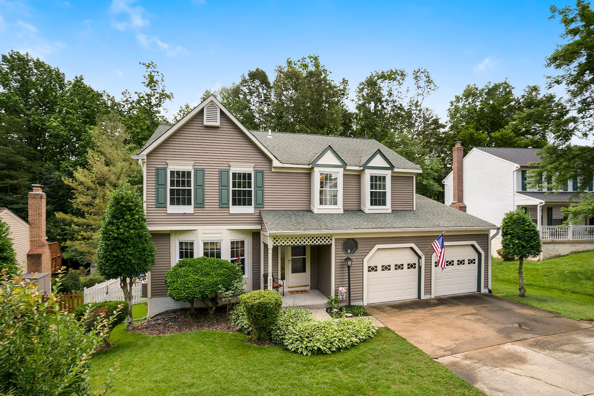 Charming Woodbridge Home on Cul-De-Sac With Amazing Outdoor Spaces