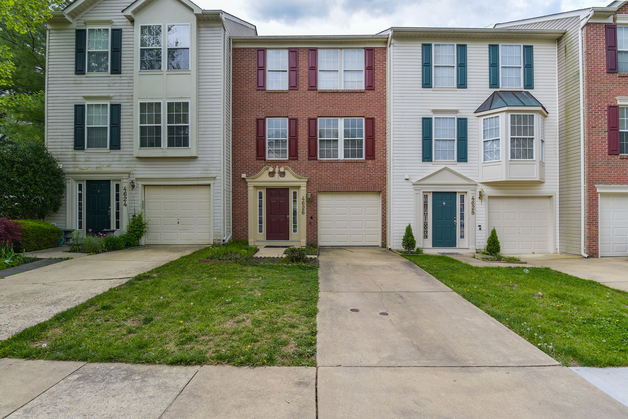 NEW LISTING: 3 BD Townhome in Oatland Farm, Olney, MD