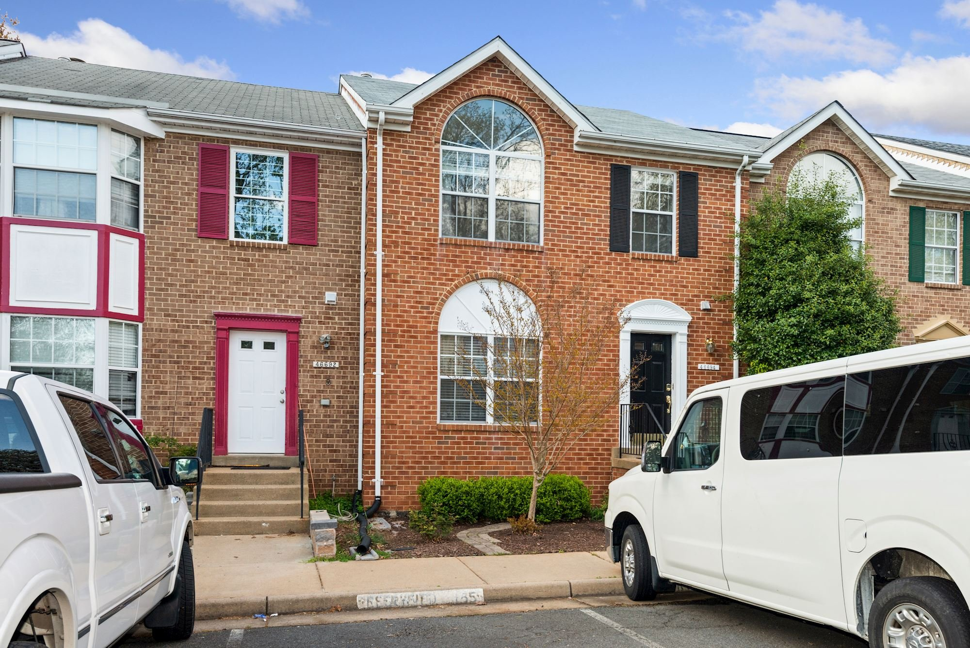 PENDING: Lovely 3 BDTownhome Located in Mirror Ridge Community