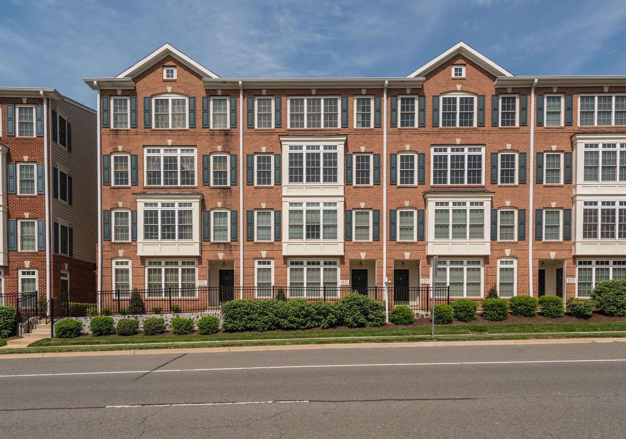SOLD: Luxury 3 Bed Townhouse In Fairfax