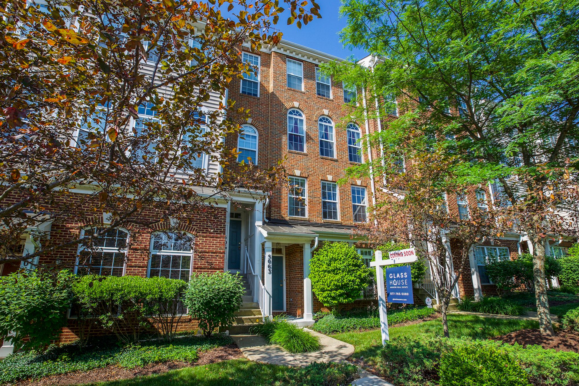 NEW LISTING: 2 BD 2 story Condo in Woodbridge, VA