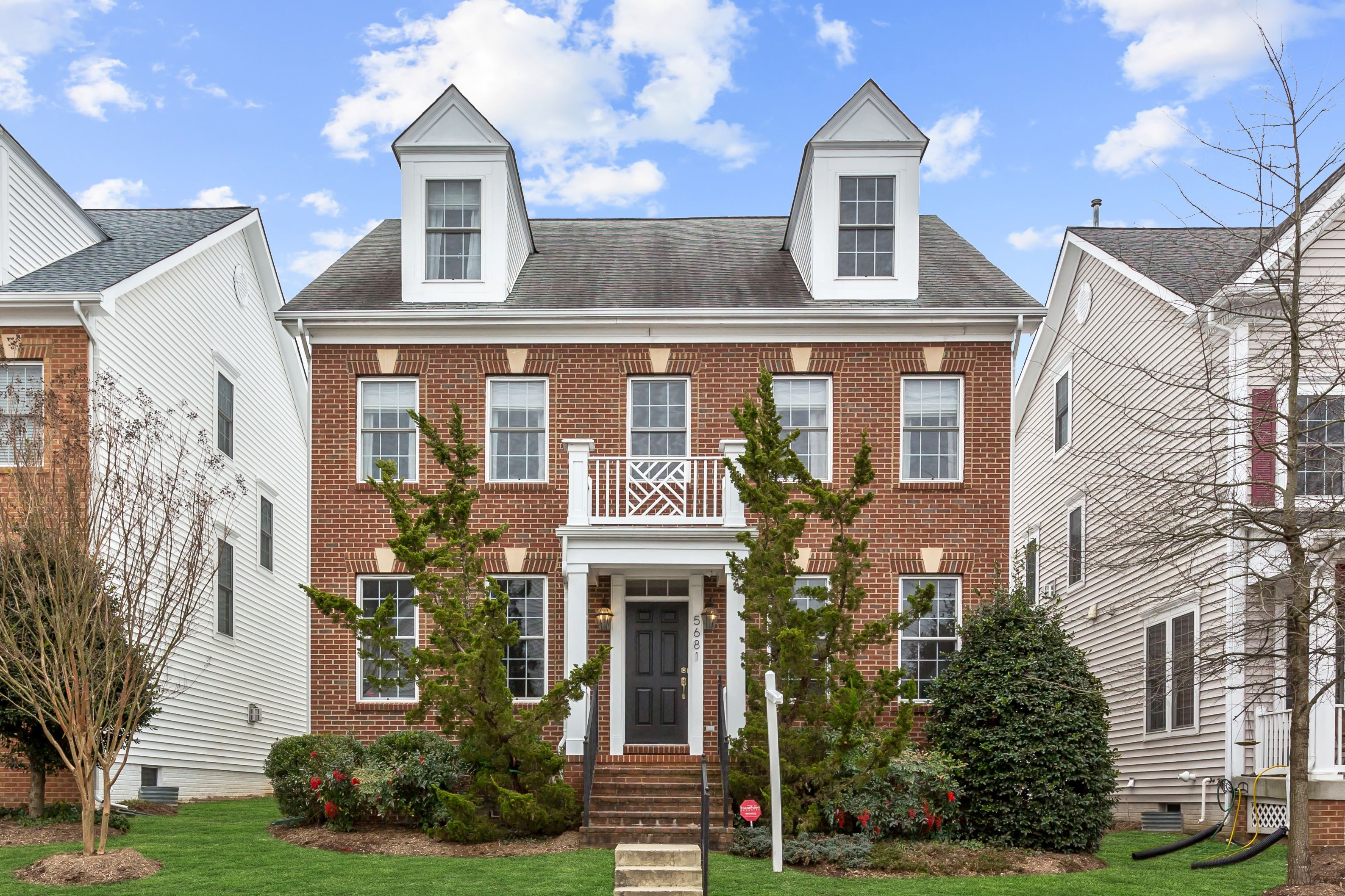 NEW LISTING: Spacious 4BD Colonial Home in Great Centreville, VA Community