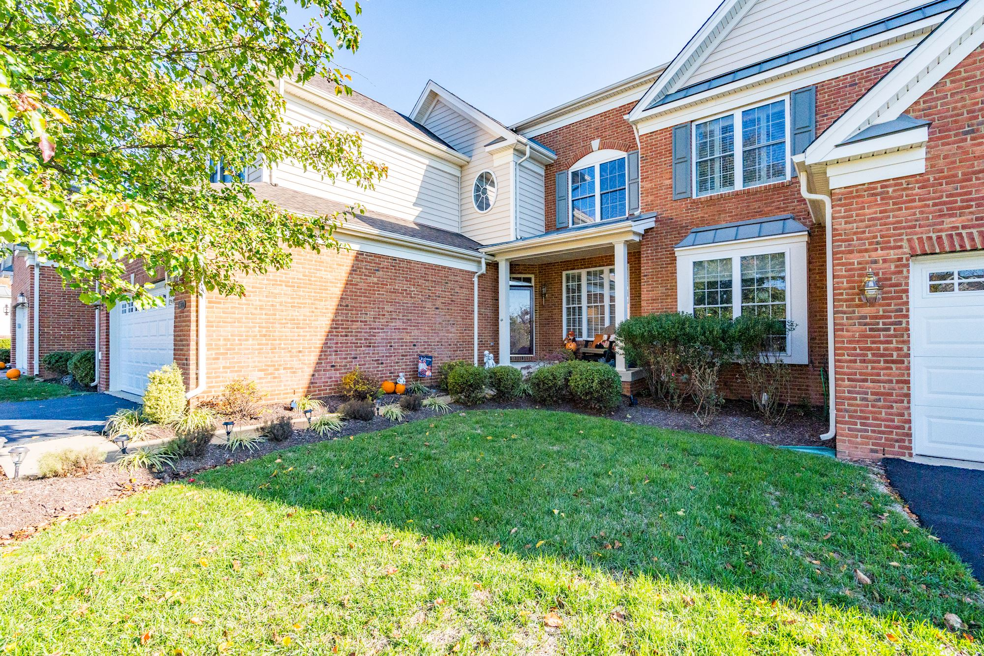 UNDER CONTRACT: 3 BD Luxury Townhome in Dominion Valley, VA
