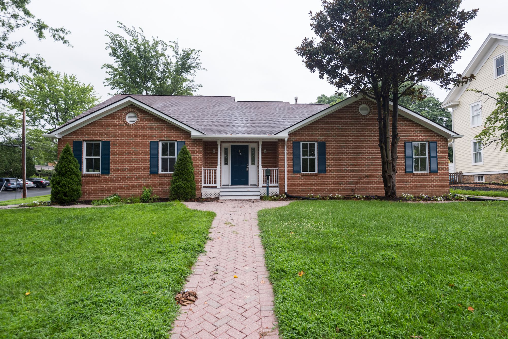 NEW LISTING: Renovated Single Family Home In Heart of Herndon