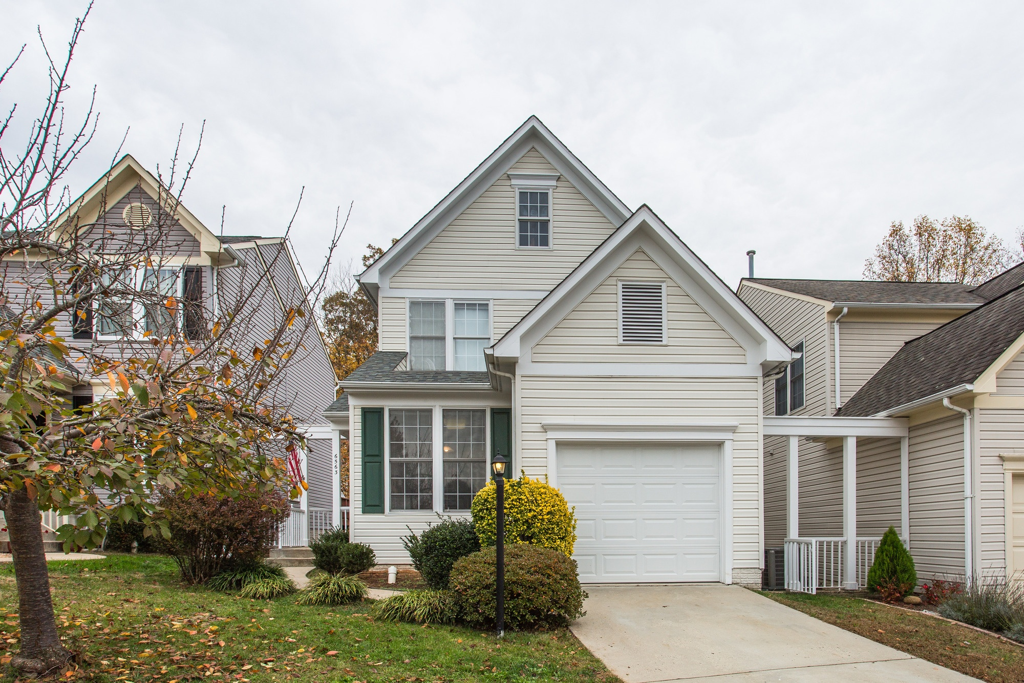 SOLD: Elegant Single Family Colonial Home