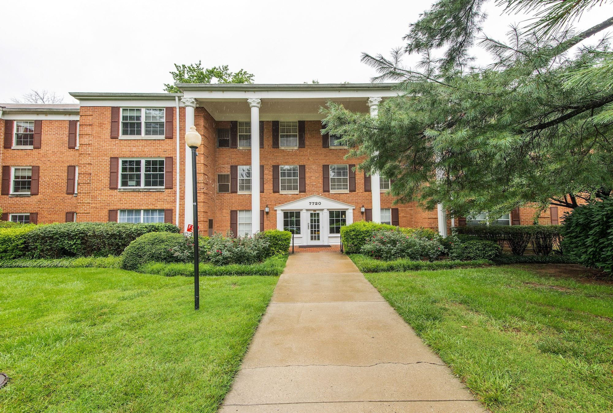 NEW LISTING: 3 BD Renovated Home in Mclean, VA