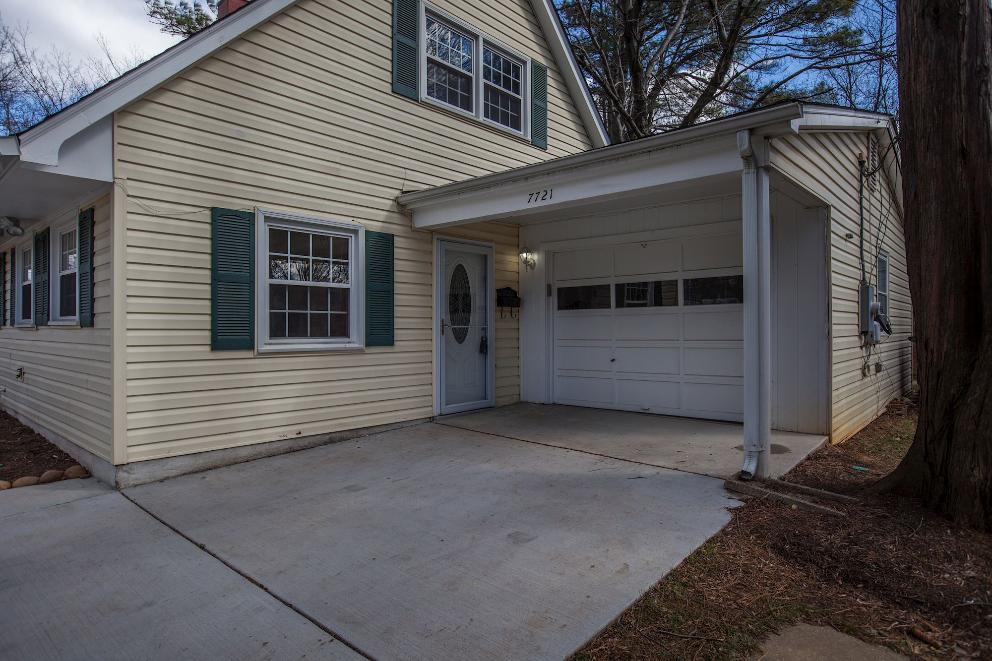 SOLD: 4 Bedroom Cape Cod in FALLS CHURCH