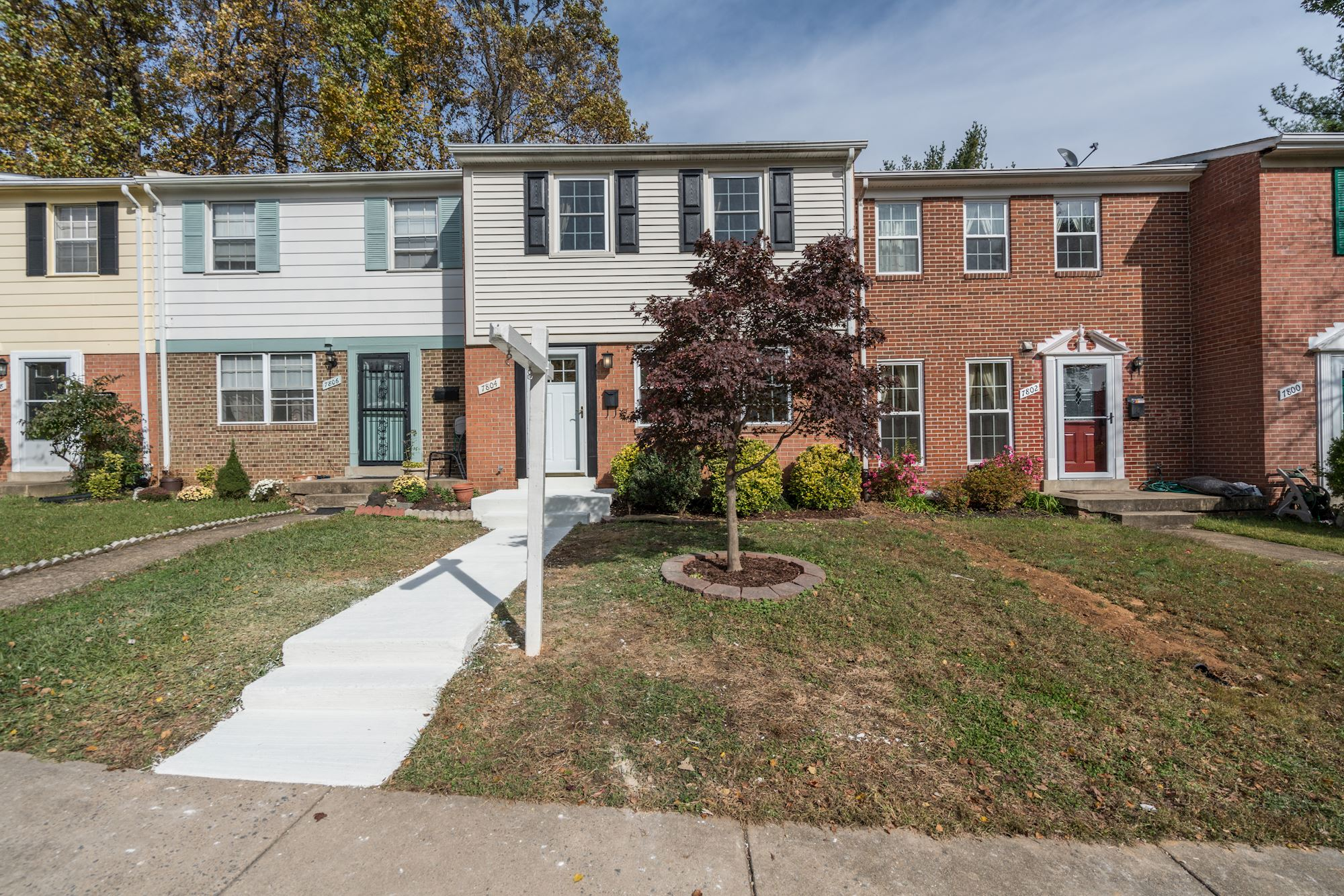 NEW LISTING: 3 BD Updated Townhome in Falls Church, VA