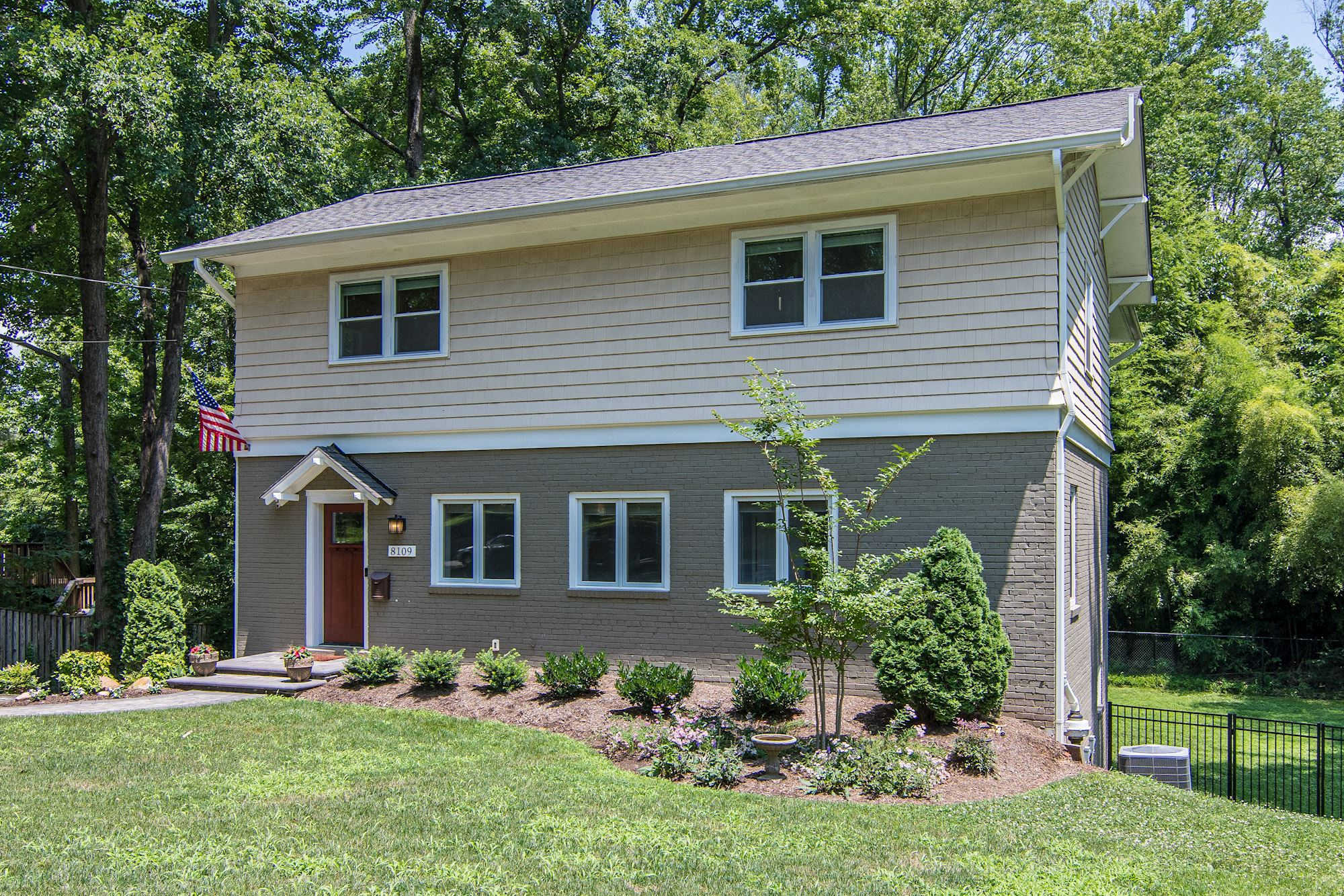 NEW LISTING:4 BD Completely Redone Home in Hollin Hall Village