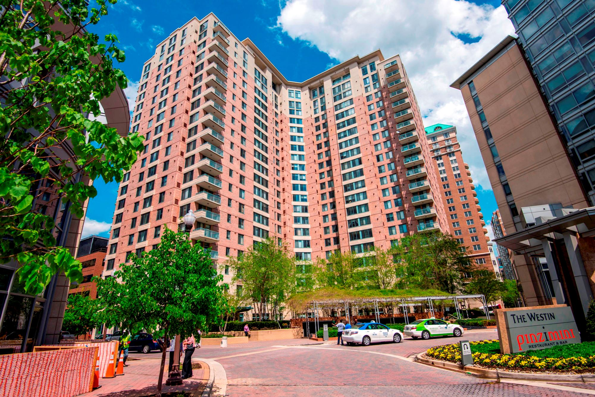 NEW LISTING: 1 Bed Unit In Amazing Arlington Building