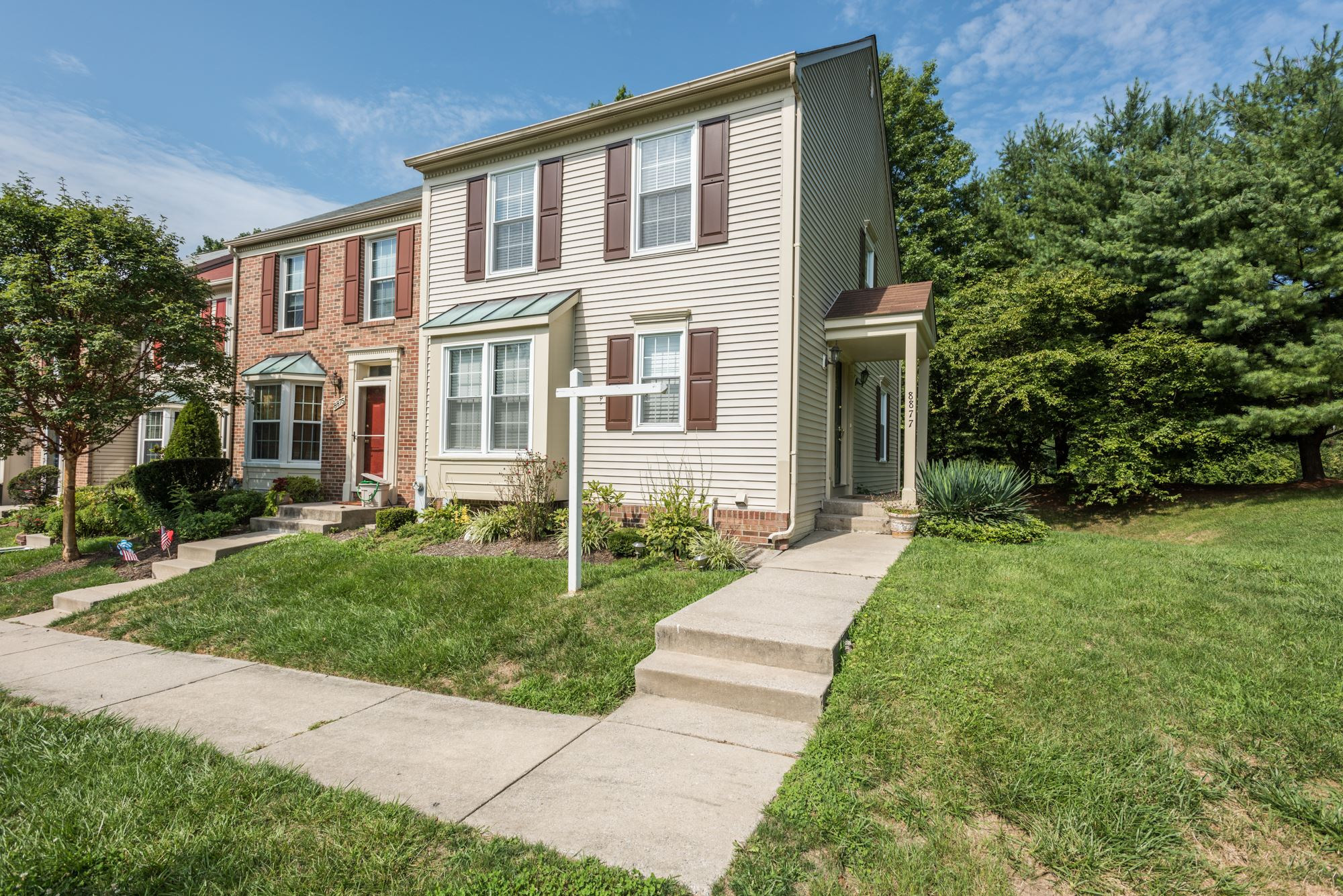 SOLD: Rare End Unit Townhome in Ellicott City