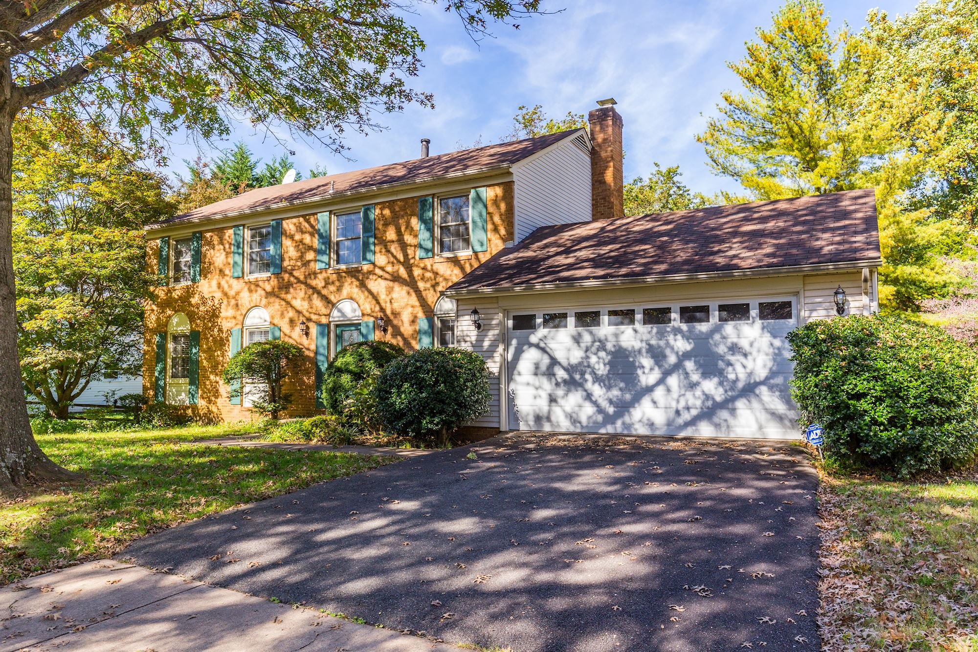 Renovated 4 BD Colonial Home on Fantastic Burke Center Lot
