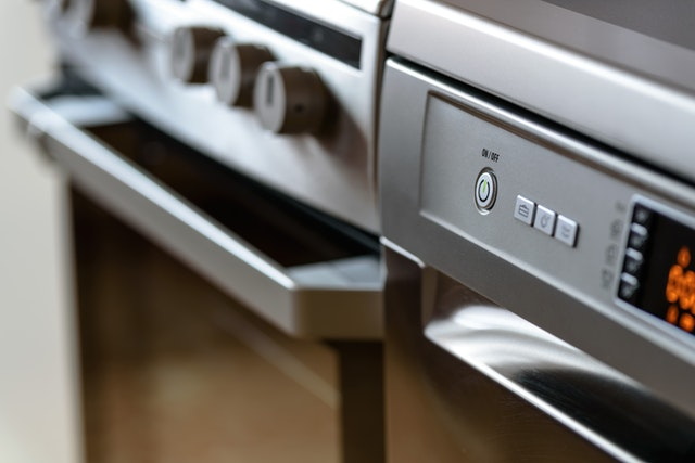 Choosing Kitchen Appliances: 5 Tips for New Homeowners